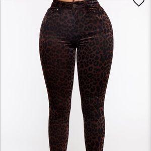 Fashion Nova Pounce On Me jeans- Size 13
